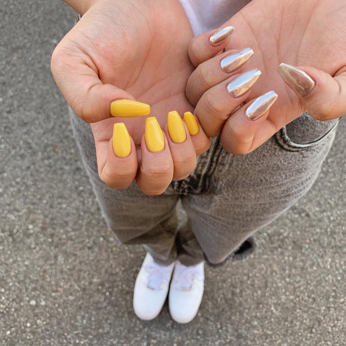 _white nail  南海難波店