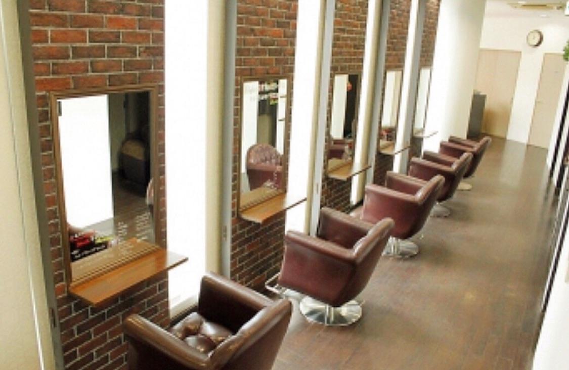 Reglus hair design 平尾店