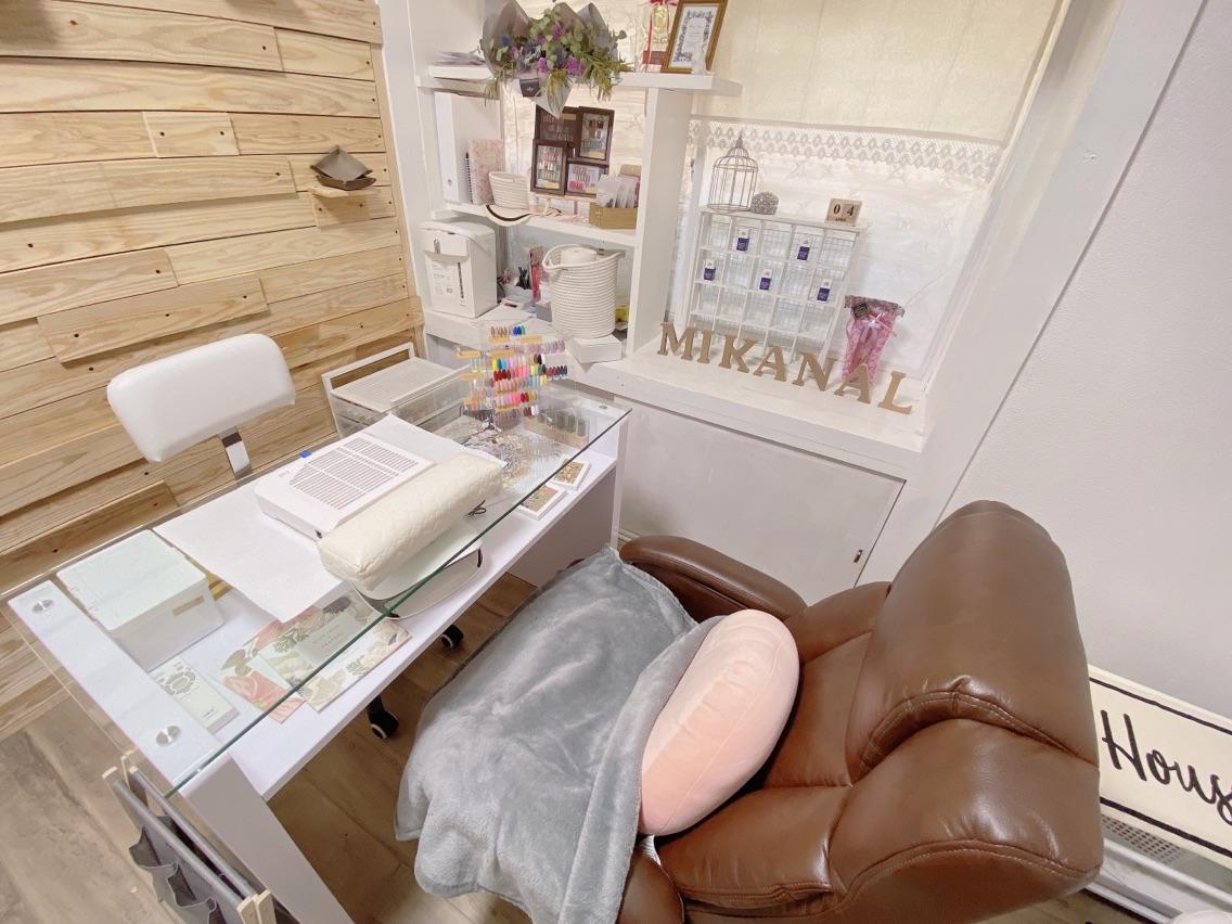 nail salon  ∞ mikanal ∞