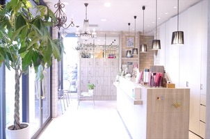 HAIR & MAKE EARTH 三郷店