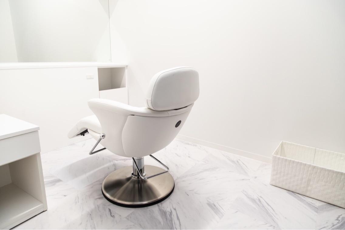luxury salon axis