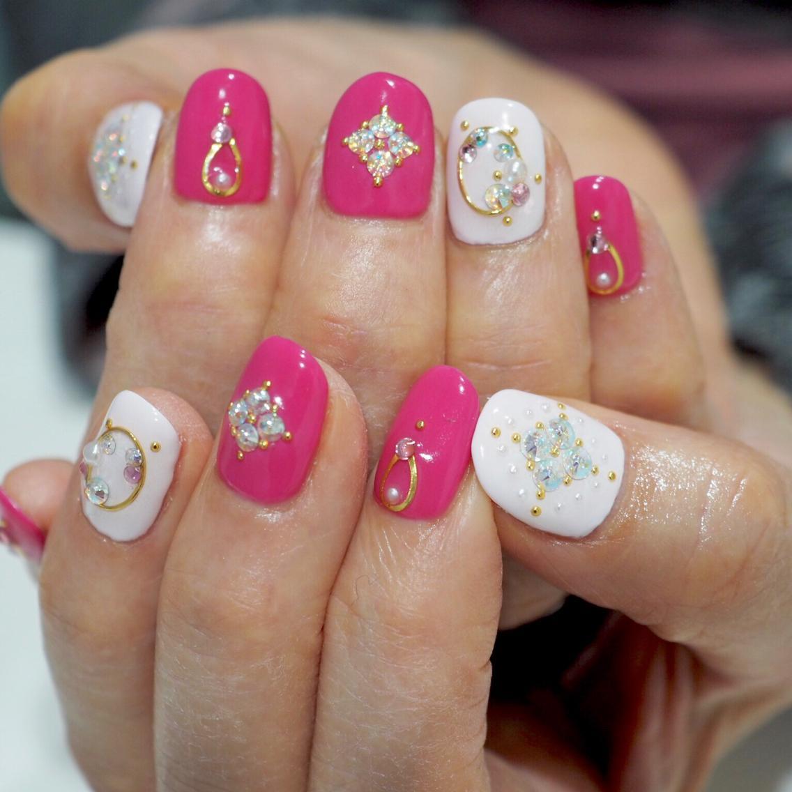 #ネイル キラキラ可愛いピンクネイル