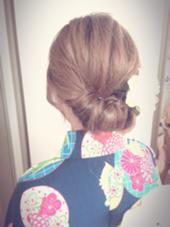 今人気のギブソンタック! 簡単10分アレンジです☆ 夏の浴衣を着るシーズンにオススメです(^ ^) B4U hair所属・IshibashiKazuyukiのスタイル