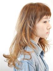 前髪ザクザク、抜け感のあるナチュラルロングスタイルです☺︎ 抜け感や透け感があるのにナチュラルにまとまります! AZURA 岐阜所属・innamishotaのスタイル