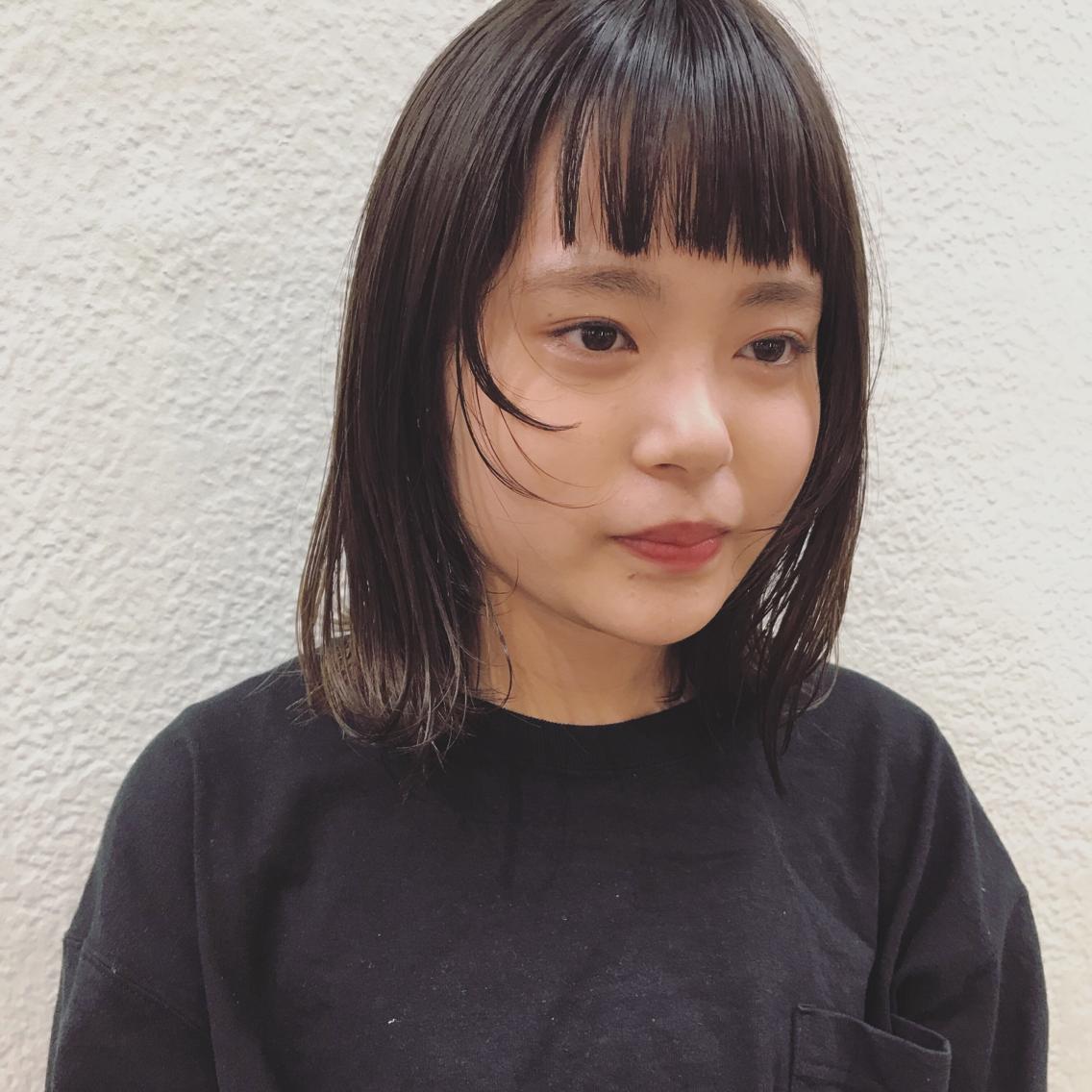 #ミディアム 顔まわりに短い毛を作ると一気に雰囲気がでます ❤︎