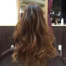 太いハイライトをグラデーションで☆  がっつりブリーチするより ダメージが少ないので、痛みが気になっる人にオススメです! AUBE hair   axia所属・河野和也のスタイル