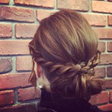 ルーズアレンジスタイル  サイド三つ編み、バックシニヨン Hair Resort Lull [ヘアーリゾートラル]所属・田中魁人のスタイル