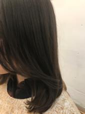 透け感あるブラウンみを消すカラー! HONEY表参道所属・新井大介のスタイル