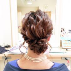 *:.。.:*゜~ルーズなシニヨンstyle~゜*:.。.:*  波ウェーブをバランス良くルーズに引き出し、ロープ編みのシニヨンでもこもこに仕上げました✨ Hair design Aeolus所属・親泊功平のスタイル
