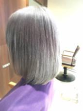 ダブルブリーチからのプラチナシルバー Hair  Desing Glanz所属・國分佳輝のスタイル