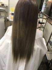 毛先になるにつれて明るくグラデーションカラー!巻くとかなり透明感が出ます! 根元は柔らかくラベンダーアッシュにさせていただいてます! 赤堀美奈子のスタイル