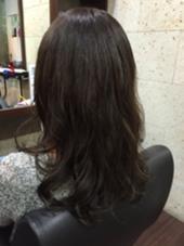 癖毛をパーマ風にカット&スタイリング 癖毛のカットお任せ下さい( ´ ▽ ` )ノ hair&make breatth所属・佐藤択哉のスタイル