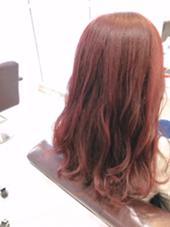 レッド×ピンクカラー 毛先にかけてグラデーションでピンク入ってます HAIR  SALON M P's店所属・ホンダマナミのスタイル