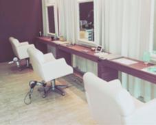 セット椅子の間に、ベビーカーを置いて施術できます❤️ hair  design space i.chi.e所属・クニヨシエリカのスタイル