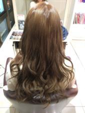 グレージュカラー☆  13トーンくらいに仕上げてます!  ほんのりピンクもいれてるので  髪にツヤができきれいにみえるように  カラーしました! Neolive  east所属・金子茉由のスタイル