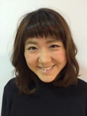 個性的な前髪で伸ばし中でも 飽きさせないスタイル SUPRAM所属・浅野智美のスタイル