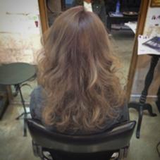 ブリーチカラー イノセントプラチナ CHERIE hairdesign所属・ヨシダタイシのスタイル
