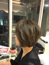 全体にハイライトを入れたのちにシアーグレーをいれ外国人風な透明感に! Hair Make MUSE所属・中山天地のスタイル