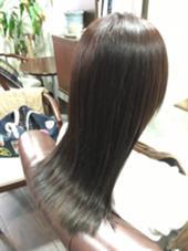 トリートメント効果でサラツヤ Charm Hair Resort所属・安田紘果のスタイル