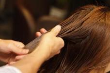 いま使っているトリートメントのままでも、 まだまだサラサラツヤ髪に近づけられます♡   【プロが教える】 トリートメントのつけ方に ″ある簡単な工夫″ を...  → dansu-sk2.amebaownd.com/posts/369165 Hair & Make QUATRO 川崎店所属・今井貴裕のスタイル
