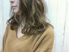 赤みを抑えた優しいブラウン+゜カフェモカカラー♪ ALLURE HAIR〜elfi〜所属・間嶋紗由美のスタイル