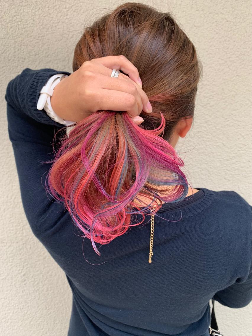 #セミロング #カラー グラデーションをした髪に カラフルに色を入れました♪ いつものカラーに飽きてしまった方に オススメです!