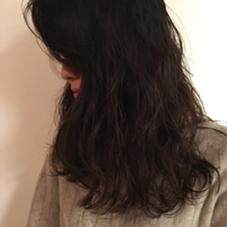 クリープパーマ ¥4000〜  ゴールドパーマでかかりにくい髪質に、クリープすることによってウェーブをつくるクリープパーマ 傷みもそこまでかからないのでおすすめです!  くせ毛風、外国人風のパーマならお任せ★  Assort所属・のばたちかのスタイル