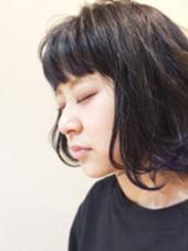 ダークアッシュのデザインカラー ポイントでブルーをチョイス☆ 美容院 原宿  「 onefineday 」所属・篠崎祐旗のスタイル