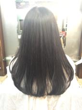15㎝カットで毛先に重みを出して湿気対策。まとまりやすい髪にカットさせてもらいました^ ^ mood   Latte所属・守屋英治のスタイル
