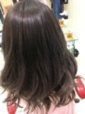 グレージュアッシュカラー✨ ホリスティックドライヤー&コテ巻き艶感アップ✨ 巻き髪スタイル EARTH岐阜店所属・HIRAO MISAE のスタイル