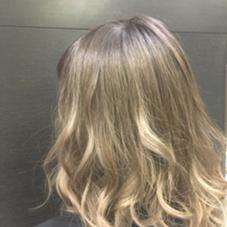 外国人のダブルカラー モカブラウンからのシルキーベージュのグラデーションカラー  hair&make   miq駒込所属・フジサキマイのスタイル