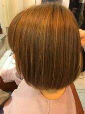 ローライトを入れより、ハイライトを際立たせ立体感のあるヘアスタイルに仕上げました(*^^*) neolive ora所属・穴井真里奈のスタイル