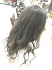 12トーン以上にリフトアップして6トーングレイアッシュをオン‼️ 巻きはねじり巻きのMIXで( ´ ▽ ` )ノ  グレージュカラー hair TRUTH(トゥルース)所属・山本かほのスタイル