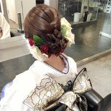 成人式、卒業式、結婚式などの 着付けも受け付けております! 料金4860円〜⭐️ wagoayakaのスタイル