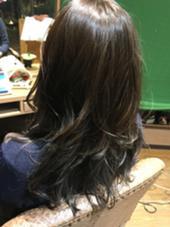 グラデーションカラー オリーブカラー  レイヤーカットでふんわり 女性らしさアップ! Hair  and Heart Welina所属・石井文乃のスタイル