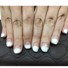 ホワイトハーフフレンチ+ラメライン Nail Salon&School【P.M.A】所属・Nail SalonP.M.Aのフォト
