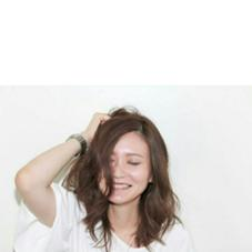 乾かすだけでまとまるスタイル!  パーマでより動きを!  自然体な笑顔がよく映える(*´-`) Respia Natura所属・北岡菫のスタイル