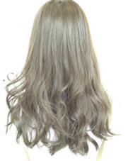 ブリーチせずに赤味を抑えたスモークカーキ!透けるような抜け感とこれからの季節にピッタリのカラー☆ Lani  hair所属・井出健太のスタイル