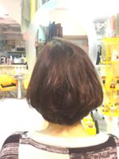 リップラインのボブスタイル♪重たく見えるけど内側の髪の毛をすけるだけすいて、内巻きに巻いてふんわりとなるように( ¨̮ )! 高橋麻衣のスタイル