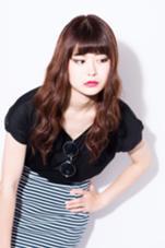 カットはすきバサミを使わず特殊なカットで骨格補正、チューニングを施しカラーはアンティークレッドでツヤ髪に!ウェーブは大きめに!アジア系なら誰にでもハマる大人可愛いつやつやロングスタイルです♪  HAYATO TOKYO 原宿所属・☆ 店長MASA☆のスタイル