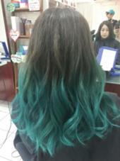 カラー セミロング ロング 青緑、ターコイズブルー、グリーンのグラデーションカラー