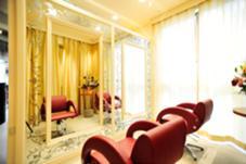 パリジェンヌをイメージした店内 個室ルーム 杉本遼平のスタイル