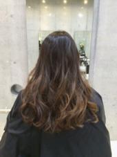 ブリーチなしのアッシュベージュ系グラデーションカラーです(*^^*) なるべく髪の毛をダメージさせたくない方にオススメです♡ みやもとはるなのスタイル