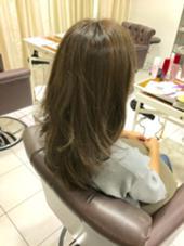 透明感抜群のオリーブベージュ♡ 硬く見えがちな日本人の髪をふんわりと柔らかく 見せてくれる外国人風カラー(*^o^*)  外国人風のカラーリングは この秋冬も引き続きトレンドです♪♪  ハイライトを入れて、自然な立体感とツヤを出し 人より一歩先をいくオシャレカラーリング♡ aile Total Beauty Salon生駒本店所属・HayashiKanakoのスタイル