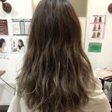 今日はグレージュカラー♪毛先はブリーチ1回です♪ 3Dグラデーション moana hair所属・西村孝宏のスタイル