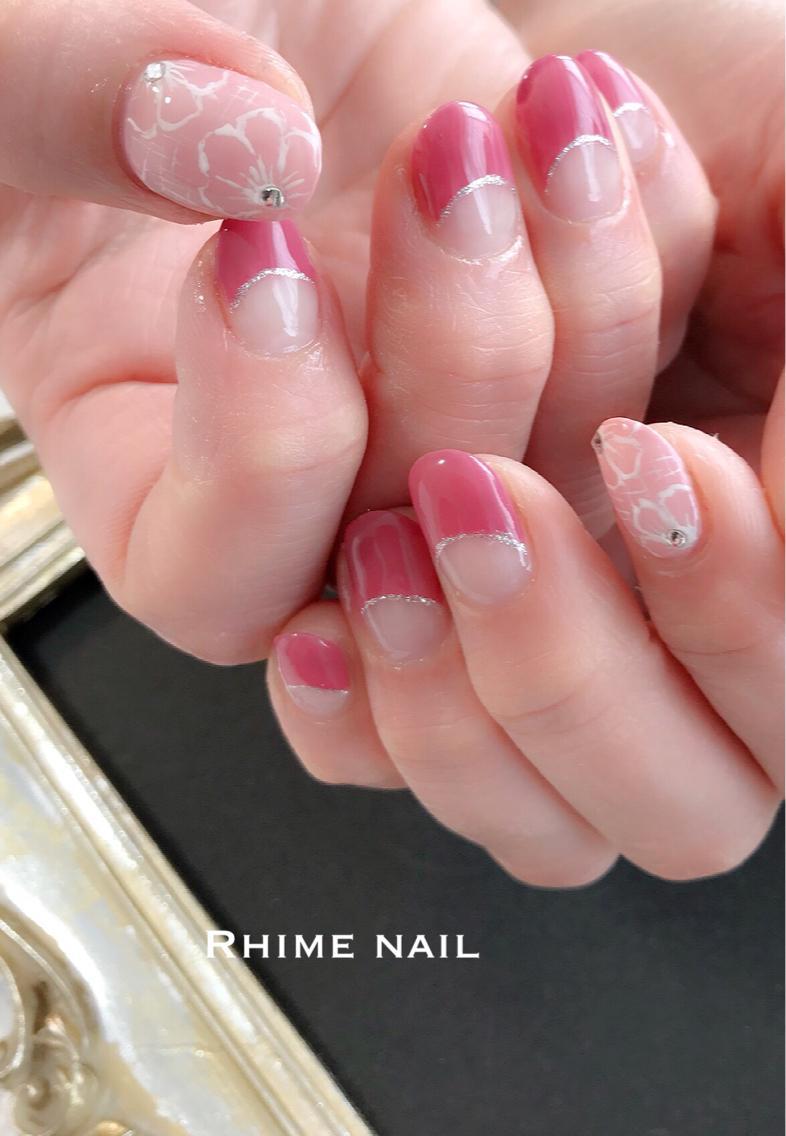 春らしくピンクフラワーnailnailsネイルネイルアートネイルデザインフラワーネイルピンク春ネイルフレンチトレンドネイル オフィスネイルシンプルネイル