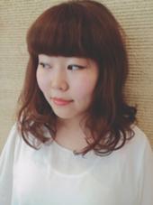 レッド × オレンジ カラー &ぱつっと前髪で 個性的な雰囲気に✨  kiki by KENJE所属・野呂田ひかるのスタイル
