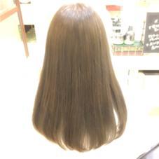 根元5センチくらいは健康毛。それ以外はブリーチ毛。その境目がなるべく出来ないようにカラーしました!毛先も少し切って、指通りがすごく良くなりました Ash都筑ふれあいの丘店所属・高田真由のスタイル