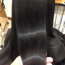 嫌な黒染めでも、艶カラーなら普段と違ってなんかいい シュシュ バイ ケシキ所属・伊豆照輝のスタイル
