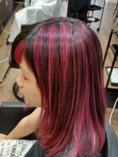メッシュ ビビットカラーチェリーピンク beauty beast所属・上江洲工のスタイル